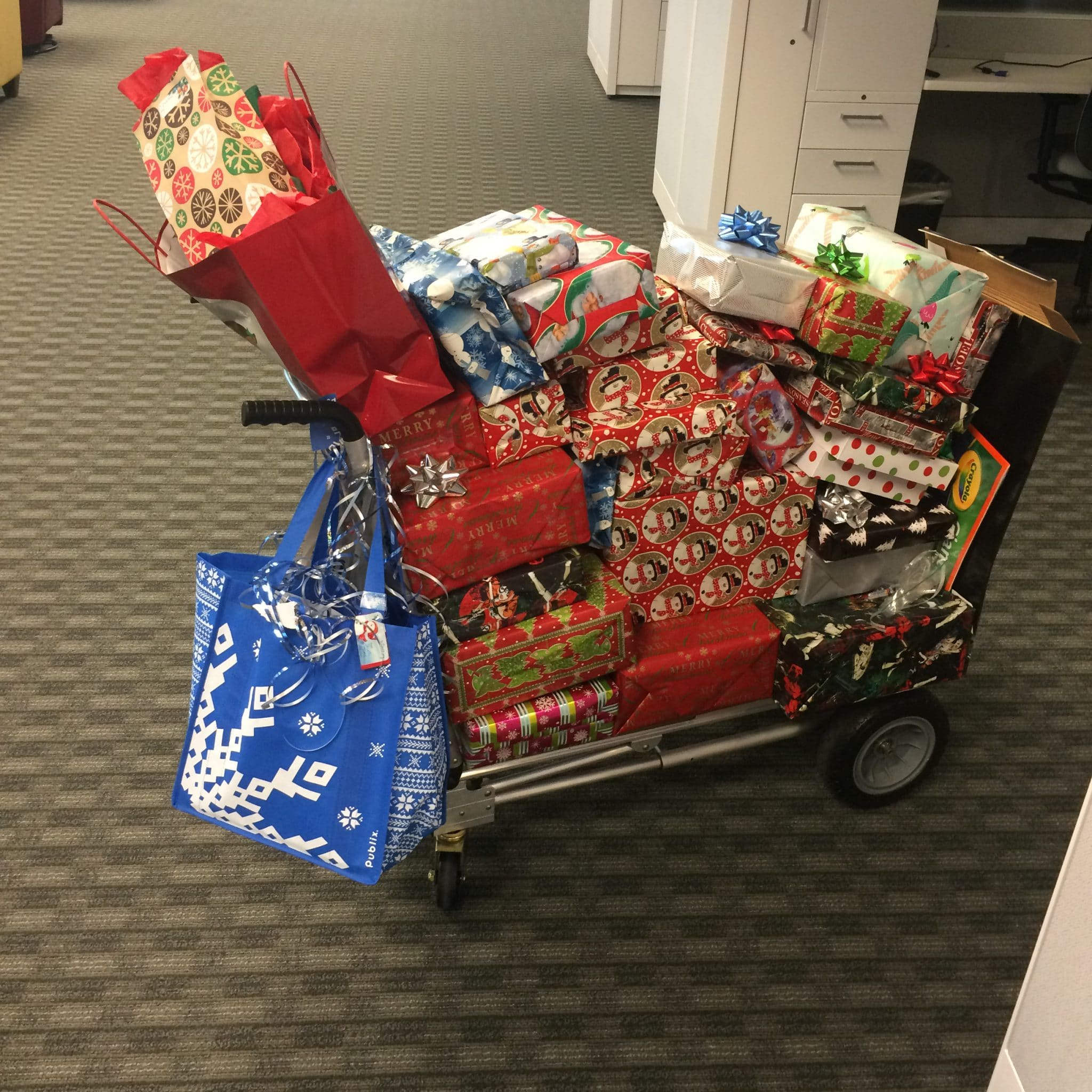 IDology Adopts a Family in Need this Holiday Season